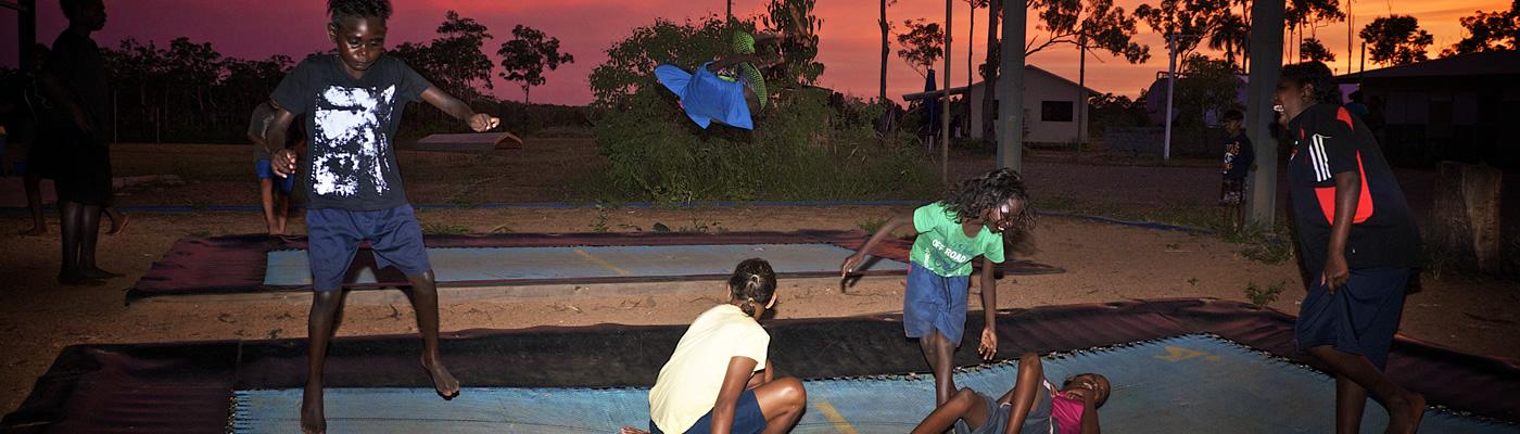 10-slide2-contact-trampoline